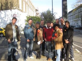 Kate wtih campaign team Fentim